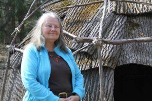Photo of Dr Lucianne Lavin